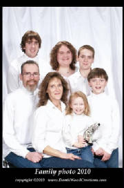 family_photo_white_bord_text_51KB.jpg