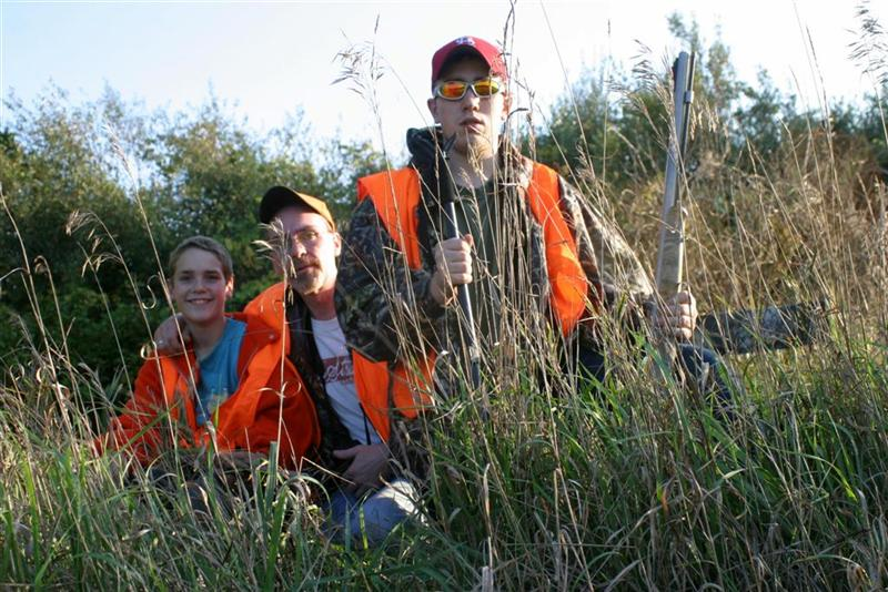 dad_boys_youth_deer_hunt_2009_Med.jpg